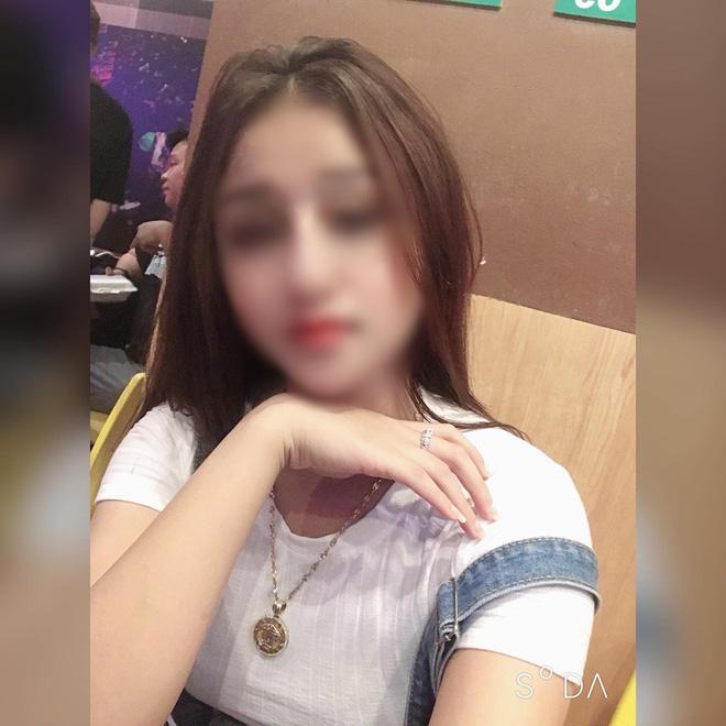 Bạn bè bàng hoàng, mẹ đau đớn thông báo tang lễ của con gái 19 tuổi bị sát hại ngay trước ngày đi nước ngoài-1