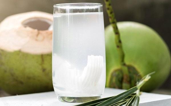 4 thời điểm độc: Có nóng đến mấy cũng chớ dại mà uống nước dừa kẻo sướng miệng mà hại thân-1