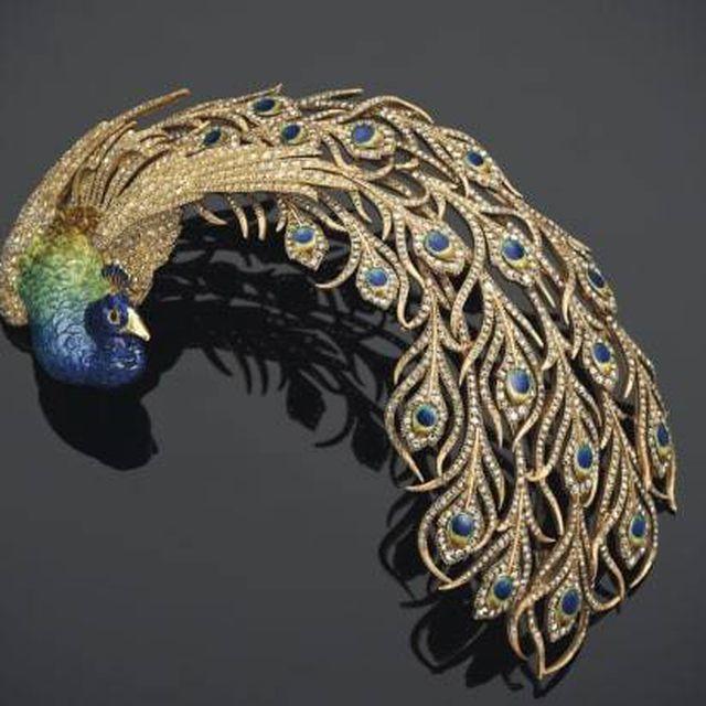 Đấu giá kho báu đầy trang sức, đá quý 500 năm tuổi trị giá 2,7 nghìn tỷ-1