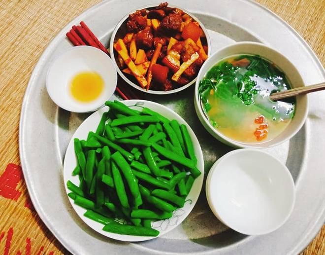 9x Nam Định đã vào bếp là ham nấu nhiều món, khiến chồng phải xót, cứ nói thế này...-9