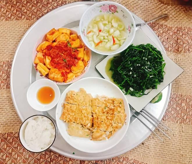 9x Nam Định đã vào bếp là ham nấu nhiều món, khiến chồng phải xót, cứ nói thế này...-12