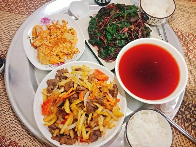 9x Nam Định đã vào bếp là ham nấu nhiều món, khiến chồng phải xót, cứ nói thế này...-15