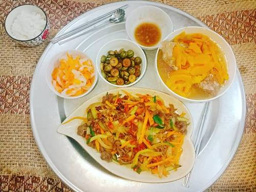 9x Nam Định đã vào bếp là ham nấu nhiều món, khiến chồng phải xót, cứ nói thế này...-3