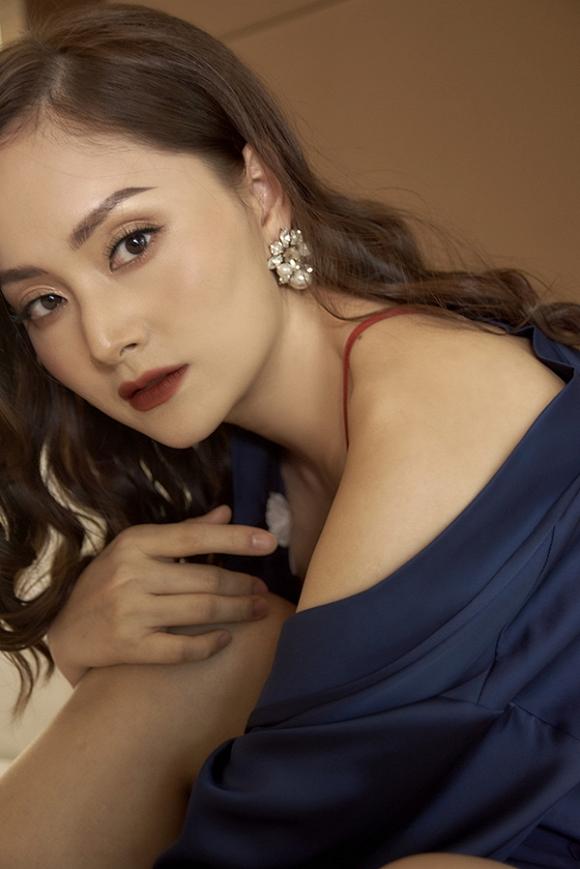 Không kém chị nhường em, Lan Phương chính thức nhập hội mĩ nữ yêu kiều trong phòng tắm-3