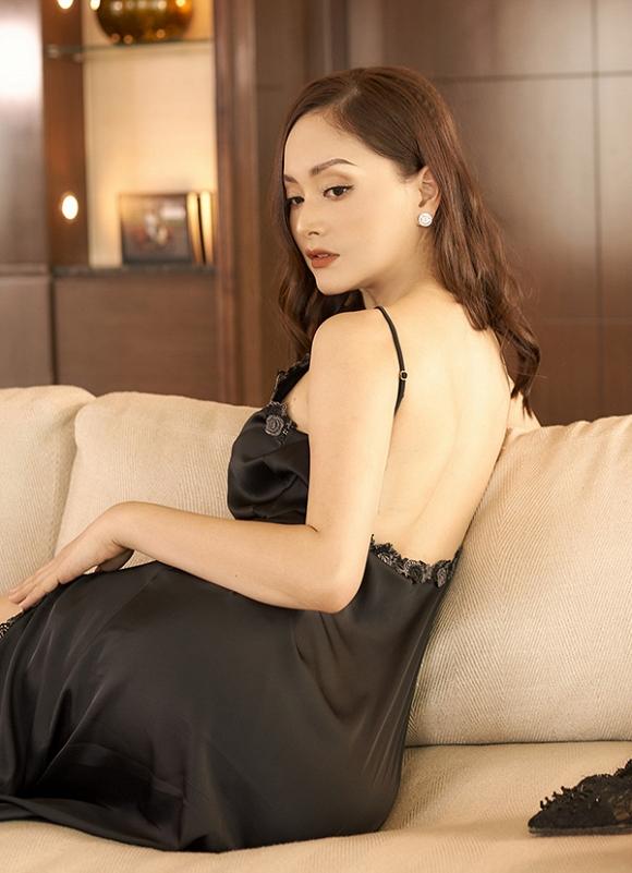 Không kém chị nhường em, Lan Phương chính thức nhập hội mĩ nữ yêu kiều trong phòng tắm-13