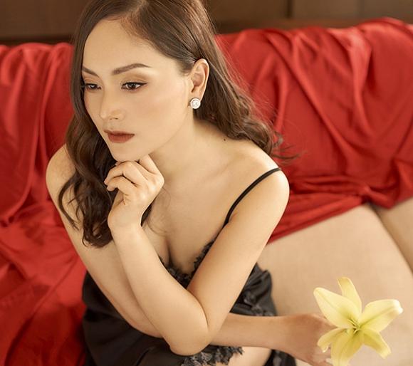 Không kém chị nhường em, Lan Phương chính thức nhập hội mĩ nữ yêu kiều trong phòng tắm-15