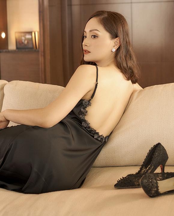 Không kém chị nhường em, Lan Phương chính thức nhập hội mĩ nữ yêu kiều trong phòng tắm-17