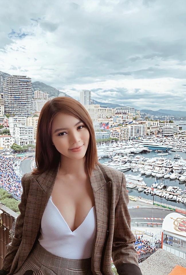 Chân dung Hoa hậu Việt lộ ảnh thân mật với cầu thủ ngoại hạng Anh nổi tiếng giá 450 tỷ-6