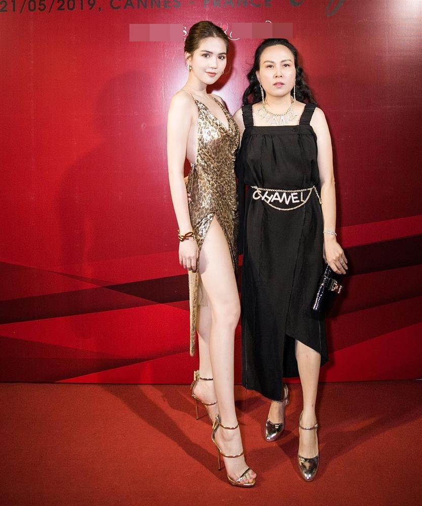 Cả showbiz diện thắt lưng Chanel 50 triệu đồng đều sang chảnh hết nấc chỉ trừ nàng thơ Phượng Chanel-4