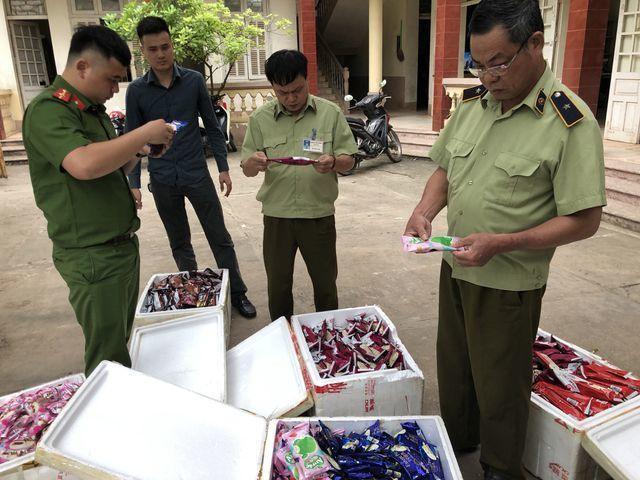 Thu giữ 8.000 que kem Trung Quốc, lộ đường dây nhập kem siêu rẻ-2