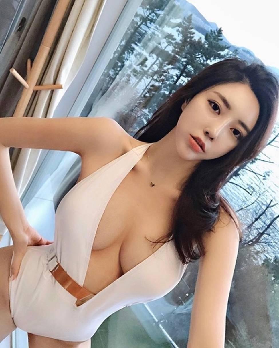 2 cô gái Hàn có mặt và dáng sexy rất đỗi đàn bà khiến mày râu chết lên chết xuống-6