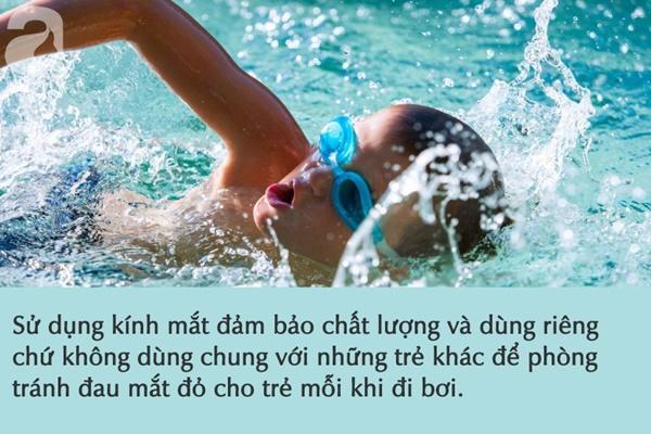 Nước ở các bể bơi là tác nhân gây bệnh đau mắt đỏ: Việc cần thiết cha mẹ phải làm để phòng bệnh cho con khi đi bơi-3