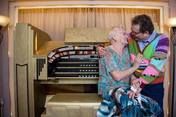 Cụ bà 83 và chồng kém 40 tuổi, cưới nhau 14 năm vẫn viên mãn-3