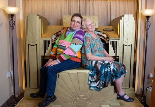 Cụ bà 83 và chồng kém 40 tuổi, cưới nhau 14 năm vẫn viên mãn-4