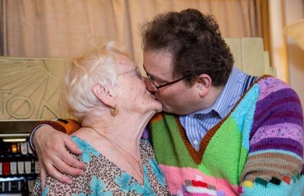 Cụ bà 83 và chồng kém 40 tuổi, cưới nhau 14 năm vẫn viên mãn-6