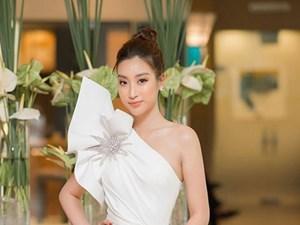Hoa hậu Đỗ Mỹ Linh tái xuất gợi cảm sau thời gian 'ở ẩn'