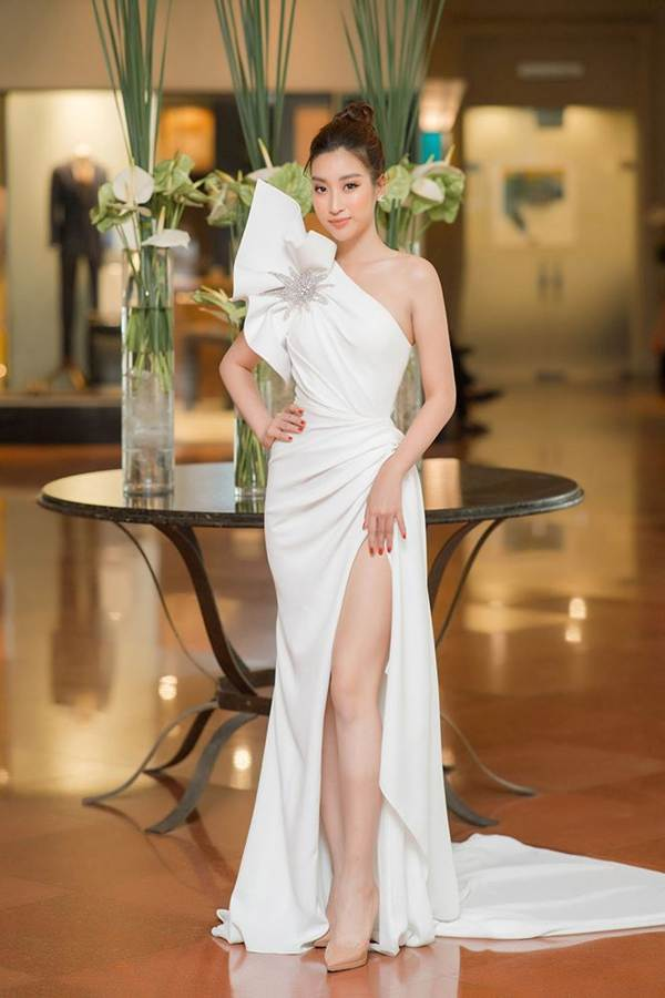 Hoa hậu Đỗ Mỹ Linh tái xuất gợi cảm sau thời gian ở ẩn-2
