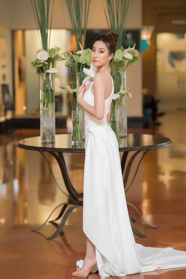 Hoa hậu Đỗ Mỹ Linh tái xuất gợi cảm sau thời gian ở ẩn-3