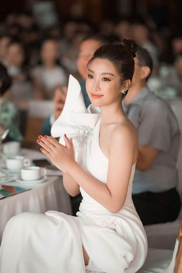 Hoa hậu Đỗ Mỹ Linh tái xuất gợi cảm sau thời gian ở ẩn-7