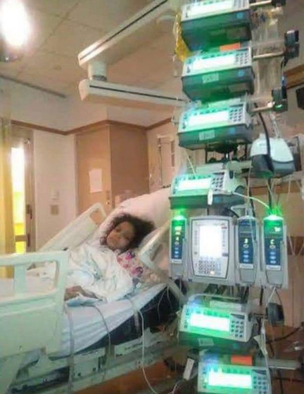 Bé gái bị rách toàn bộ ruột bởi 1 tai nạn kinh hoàng ở bể bơi mà nhiều cha mẹ không ngờ đến-1