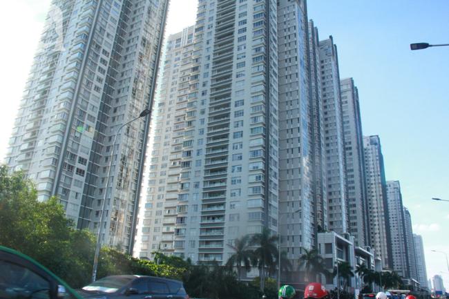 Hiểm họa chết người rình rập trẻ em sau những ban công chung cư ở Sài Gòn-2
