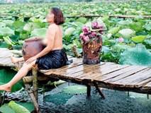 Thêm một bà cô cởi trần, ngực xệ ôm chiếc lu khiến dân mạng tiếp tục hoảng hốt về một mùa sen ở Hà Nội