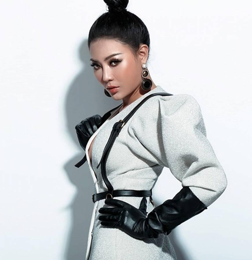 Thanh Hương lạ mắt khi chuyển đổi phong cách sang cô nàng cá tính, nổi loạn-1