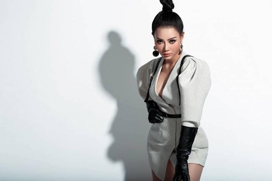 Thanh Hương lạ mắt khi chuyển đổi phong cách sang cô nàng cá tính, nổi loạn-2
