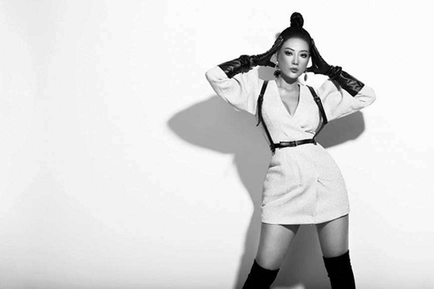 Thanh Hương lạ mắt khi chuyển đổi phong cách sang cô nàng cá tính, nổi loạn-10