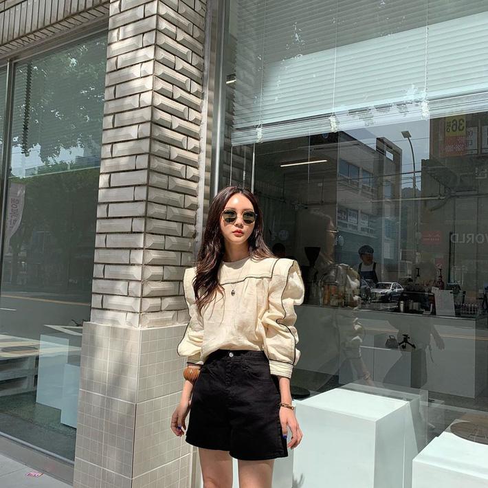 Ngắm street style Châu Á mới thấy, hóa ra mặc mát mẻ mà vẫn chất lại dễ dàng quá thế này-2