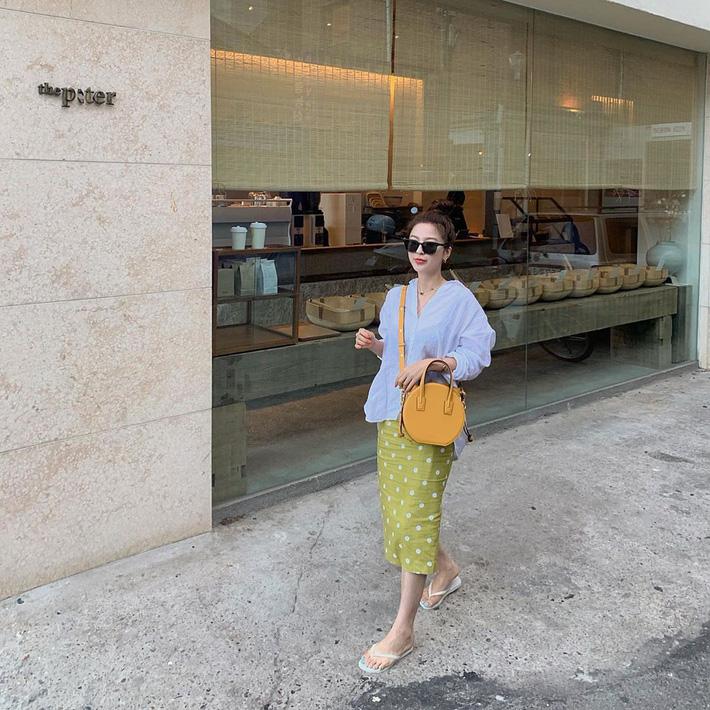 Ngắm street style Châu Á mới thấy, hóa ra mặc mát mẻ mà vẫn chất lại dễ dàng quá thế này-8