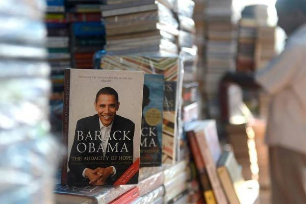 Hé lộ thu nhập khủng từ công việc ít ai biết tới của gia đình cựu Tổng thống Obama sau khi nghỉ hưu và cách tiêu tiền gây bất ngờ của họ-2