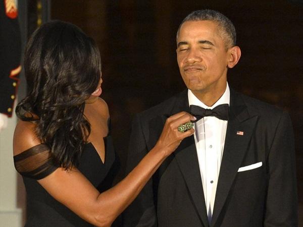 Hé lộ thu nhập khủng từ công việc ít ai biết tới của gia đình cựu Tổng thống Obama sau khi nghỉ hưu và cách tiêu tiền gây bất ngờ của họ-15