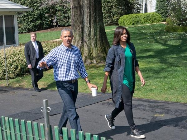 Hé lộ thu nhập khủng từ công việc ít ai biết tới của gia đình cựu Tổng thống Obama sau khi nghỉ hưu và cách tiêu tiền gây bất ngờ của họ-16