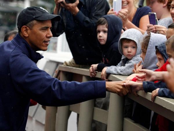 Hé lộ thu nhập khủng từ công việc ít ai biết tới của gia đình cựu Tổng thống Obama sau khi nghỉ hưu và cách tiêu tiền gây bất ngờ của họ-20