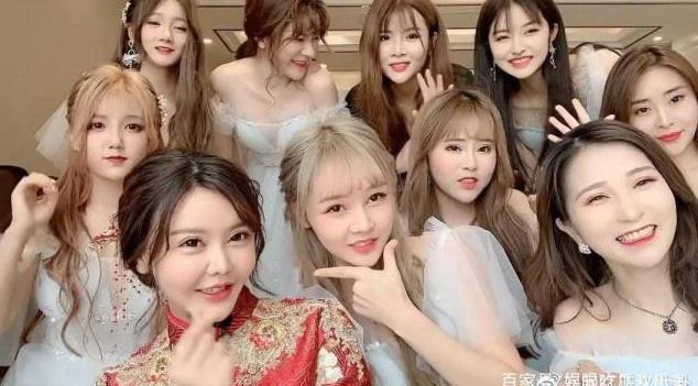 Dàn hot girl Trung Quốc lộ nhan sắc gây thất vọng khi tham dự đám cưới-3