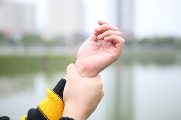 Thấy bàn tay có 1 trong 4 dấu hiệu này: Đi khám ngay vì cơ thể đang cảnh báo bệnh nguy hiểm-2