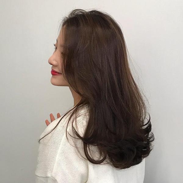 Minh chứng cho thấy tóc uốn có khả năng hack tuổi siêu phàm và quan trọng là độ dài nào cũng hợp-6