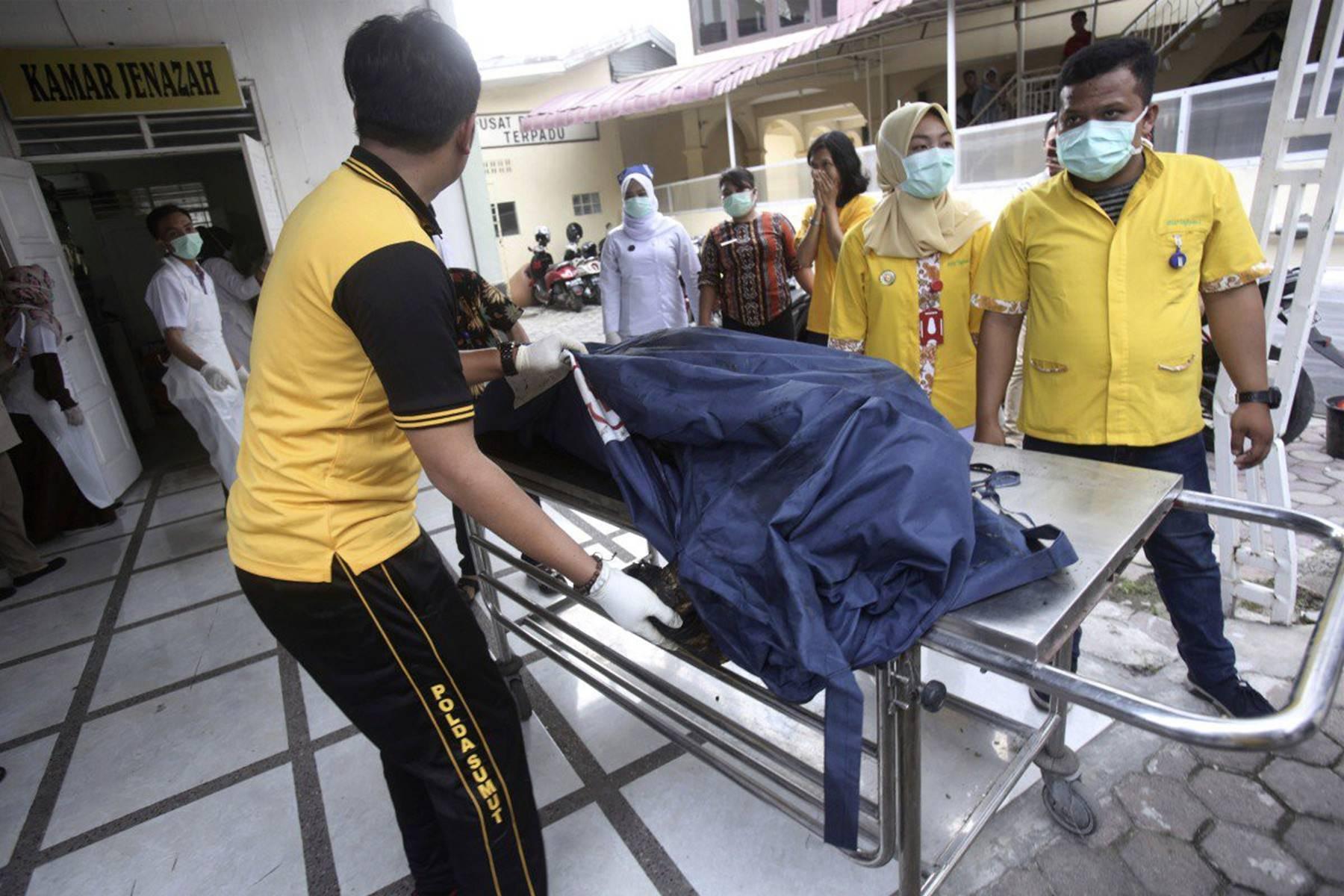 Nóng: Cháy xưởng sản xuất diêm ở Indonesia khiến ít nhất 30 người thiệt mạng, trong đó có 3 trẻ em, hiện trường hỏa hoạn gây ám ảnh-1