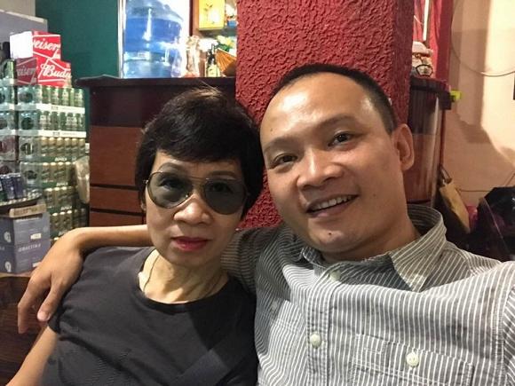 MC Lại Bắc Hải Đăng khoe ảnh hiếm hoi chụp cùng mẹ ruột nhân ngày Nhà báo-1