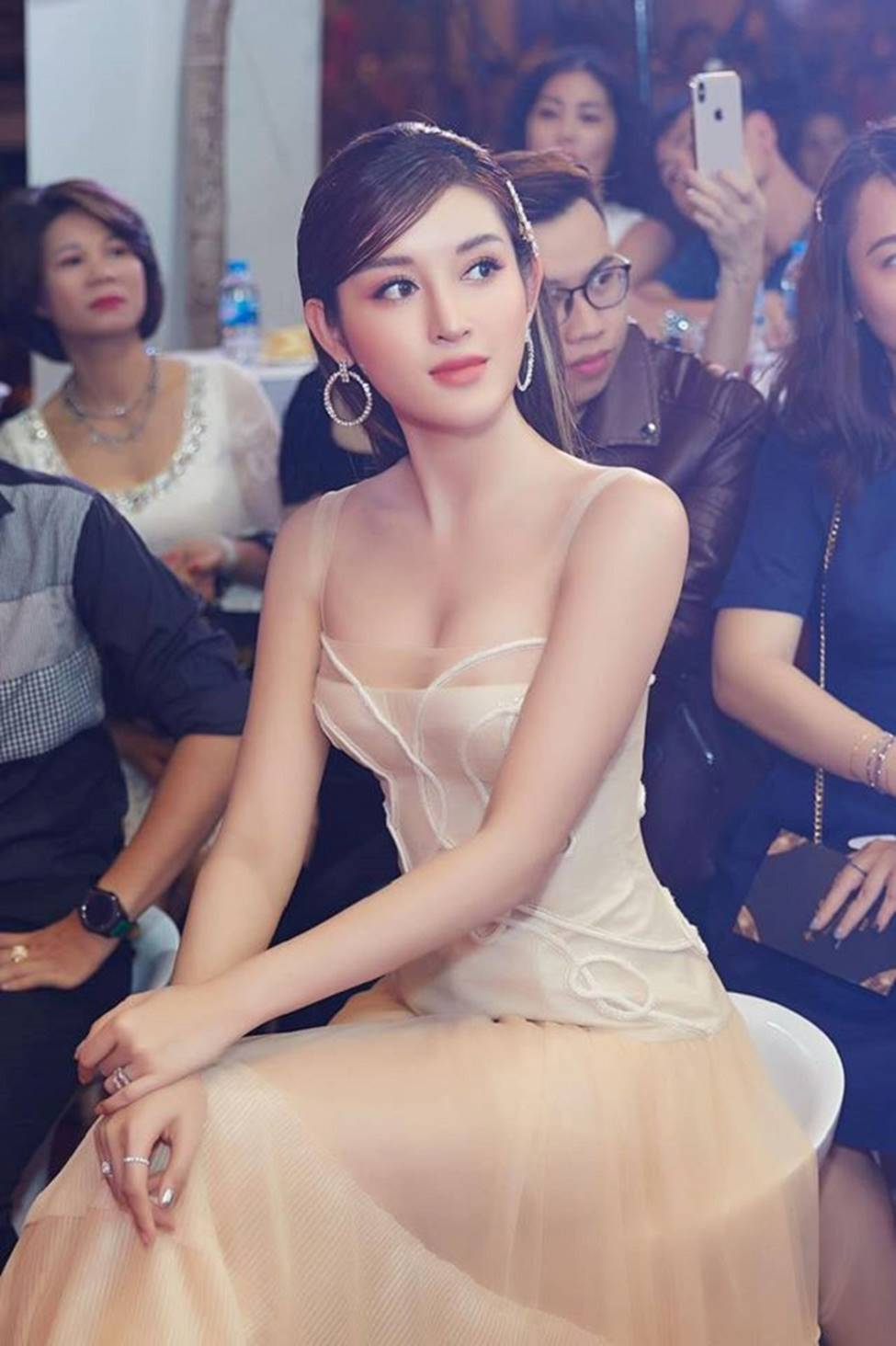5 người đẹp Việt được báo Trung Quốc khen đệ nhất mỹ nữ giờ ra sao?-12