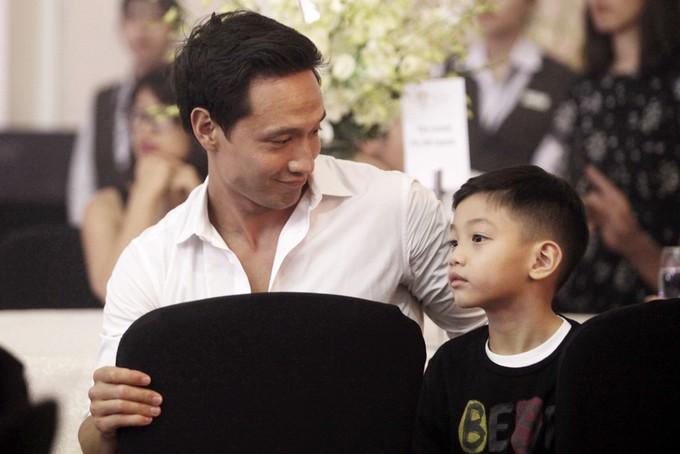 Hồ Ngọc Hà sánh đôi cùng Kim Lý tổ chức sinh nhật ấm áp cho Subeo, tiết lộ món quà đặc biệt dành tặng con trai-2