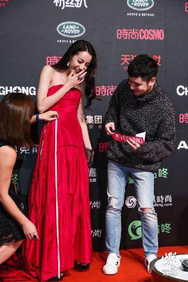 Mỹ nhân tộc người đẹp nhất Trung Quốc khoác gì lên người cũng gợi cảm mê hồn-13