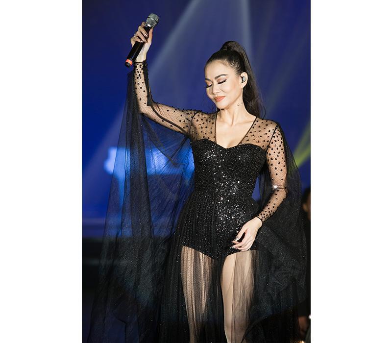 Những layout makeup xứng danh Diva của Thu Minh khiến dân tình choáng ngợp-8
