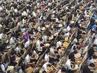 Cảnh tượng kinh hoàng trong kỳ thi vào trường ĐH nghệ thuật: Một mét vuông 10 kẻ vẽ, nhìn qua tưởng đang ngồi ăn pizza xem pháo hoa