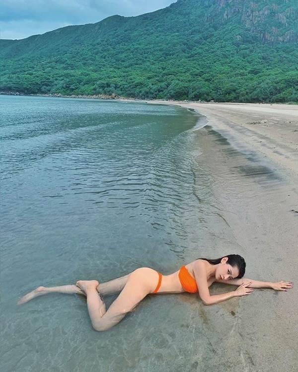 Chipu và Quỳnh Anh Shyn rủ nhau diện bikini đọ dáng nóng bỏng-3