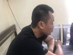 Clip sốc: 2 người phụ nữ nghi dùng mũ bảo hiểm che camera để tiểu bậy ngay trong thang máy chung cư ở Hà Nội-5
