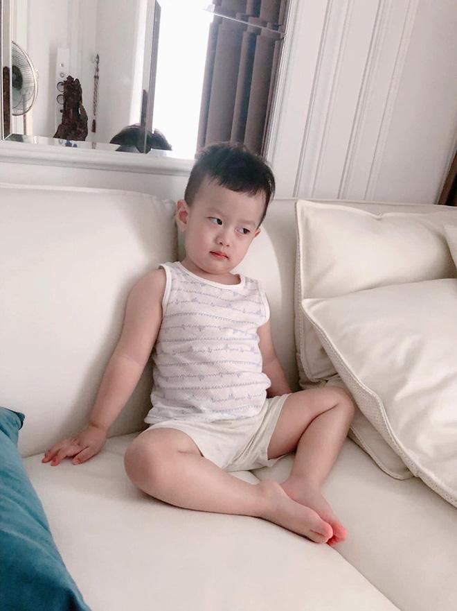 Hậu ly hôn, Việt Anh bày tỏ nỗi nhớ con trai cùng lời nói đầy ẩn ý: Đàn ông không lườm mà nhìn thẳng mặt luôn-2