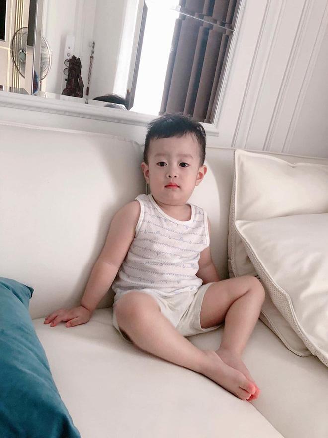 Hậu ly hôn, Việt Anh bày tỏ nỗi nhớ con trai cùng lời nói đầy ẩn ý: Đàn ông không lườm mà nhìn thẳng mặt luôn-1