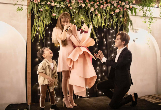 Từng ly hôn lại có con riêng, Thu Thủy được gia đình chồng sắp cưới đối xử như thế nào?-1
